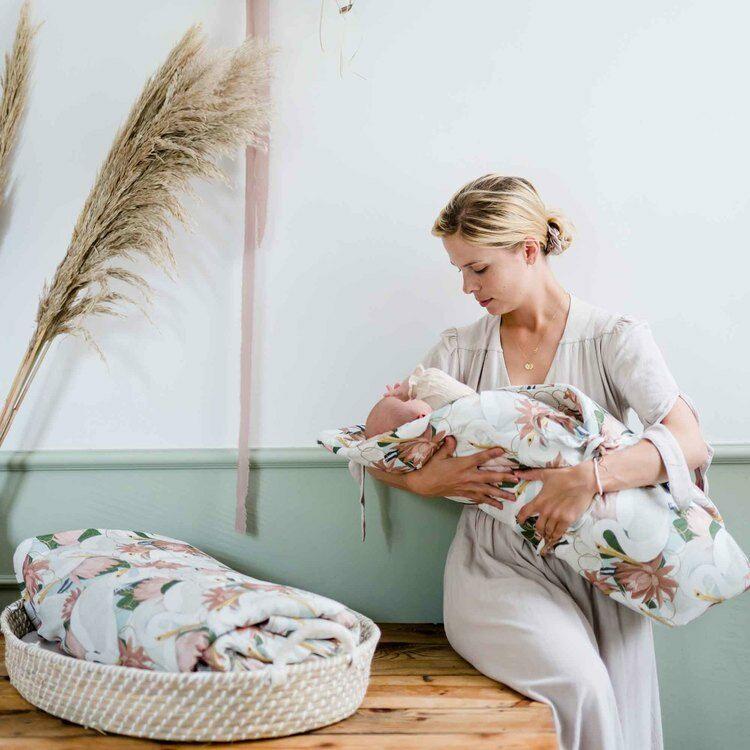1 hónapos baba napirendje, altatás