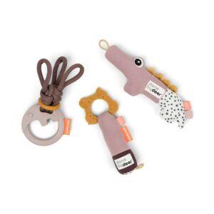 Púder rózsaszín készségfejlesztő baba játék szett ajándékba, baba csörgő és rágóka