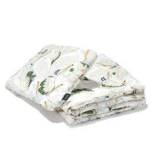 újszülött baba ágynemű szett töltettel 80x100 cm takaróval és 30x40 cm kispárnával krém színű lótusz és kócsag madár mintával La Millou Heron in Lotus