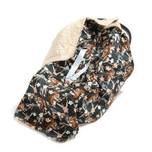 hordozós takaró babakocsi takaró homok színű velvet anyagból barna erdei mókus mintával La Millou Pretty Barbara