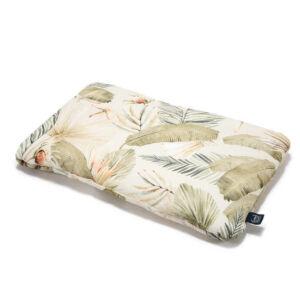 Pamut párna 40 x 60 cm méretben khaki és bézs színben majom, kókuszdió és trópusi pálmalevél mintával