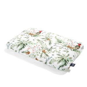 Pamut párna 40 x 60 cm méretben erdő mintájú, zöld falevél toboz harkály és süni mintával La Millou Forest