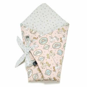 baba pólya rózsaszín és kék szürke színben körhintás vidámparkos mintával