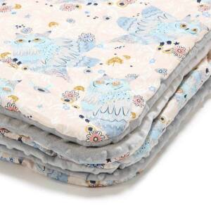 baba takaró töltettel kétoldalas pamut-minky rózsaszín-kék álmos bagoly mintával La Millou Sleepy Owls