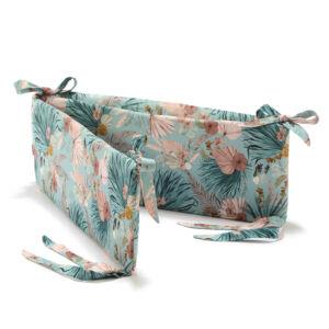 rácsvédő kiságyba kék és rózsaszín trópusi levél mintás Boho Palms La Millou