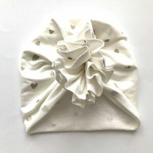 Őszi téli turbán sapka ekrü alapon arany szívek XS méret