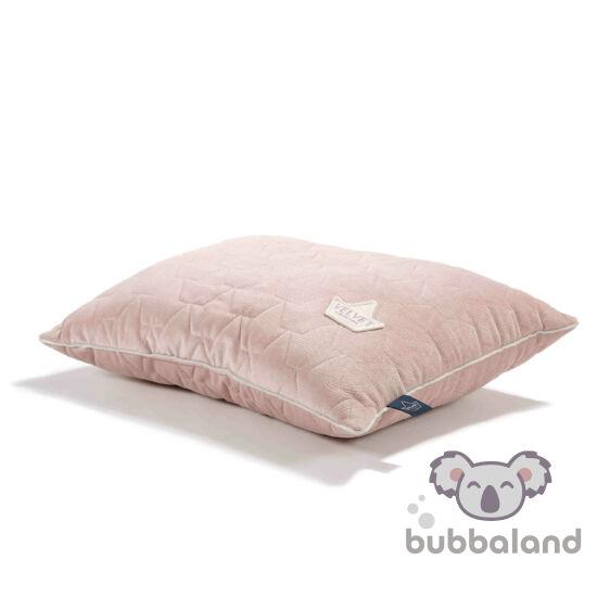 bársonyos velvet anyagból készült nagy párna hamvas rózsaszín