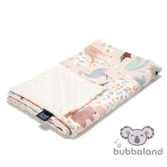 tavaszi-nyári babatakaró töltet nélkül kétoldalas pamut minky ekrü színben rózsaszín ausztrál állatos kenguru vombat és koala mintával Dundee Pink