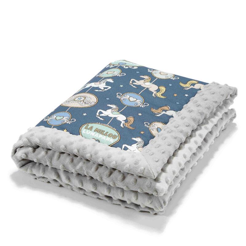 baba takaró minky és pamut anyagból vidámparkos körhintás mintával kék Lunapark by Night