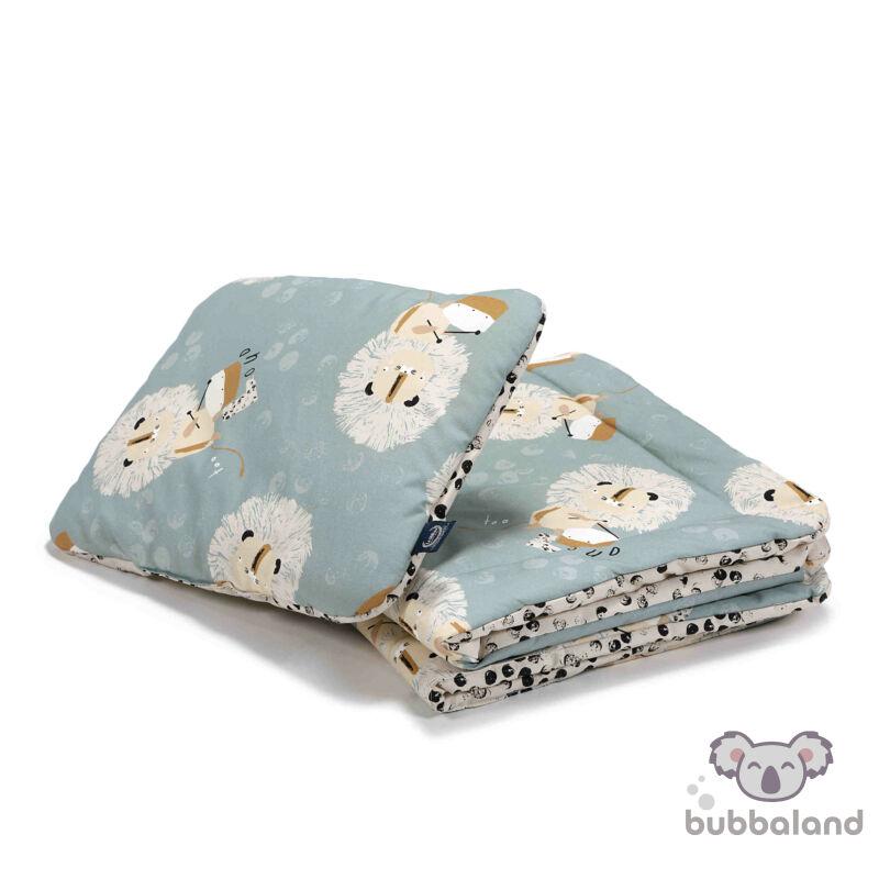 baba ágynemű szett töltettel és kispárnával 80x100 cm kék alapon doboló oroszlán, fekete-fehér pöttyös mintával Wild Cats Stone
