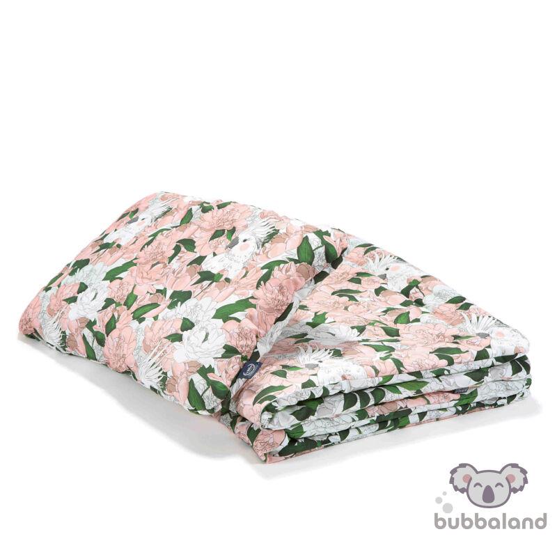 újszülött baba ágynemű szett töltettel és kispárnával rózsaszín színben bazsarózsás mintával