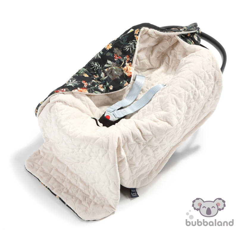 hordozós takaró velvet babakocsi takaró fehér alapon sötét vintage virág mintás