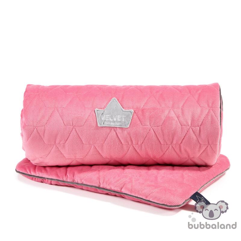 újszülött baba ágynemű szett steppelt varrással töltettel és kispárnával pink színben