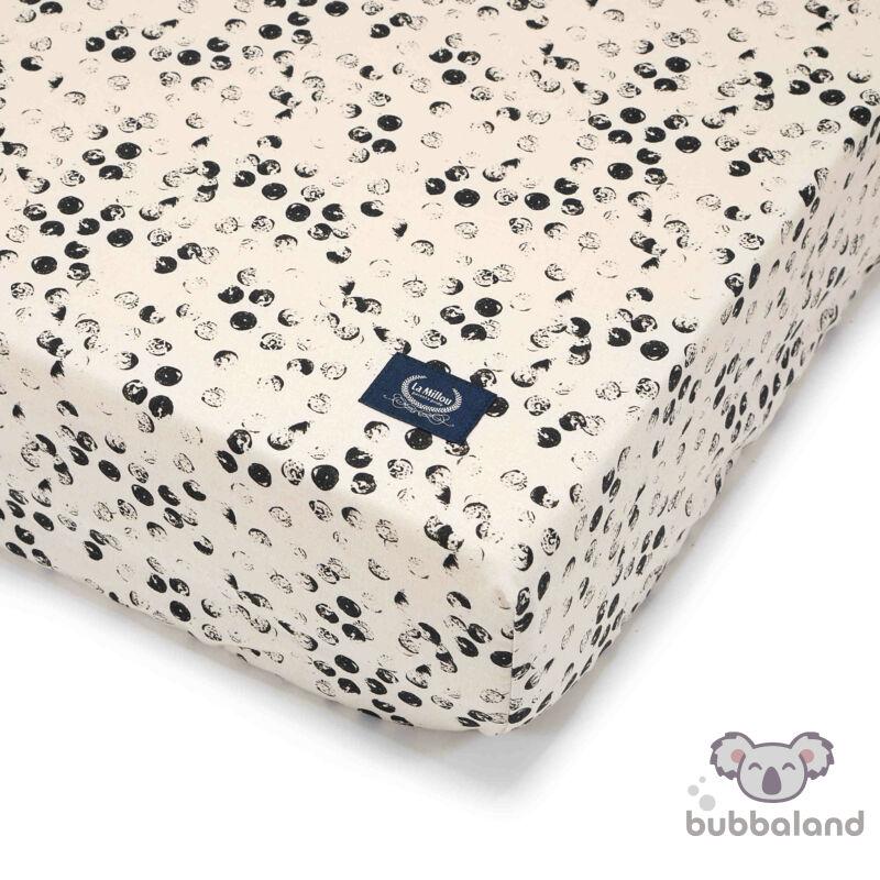 kiságyba való gumis lepedő babáknak 60x120 cm fekete-fehér pöttyös Wild Cats Stone