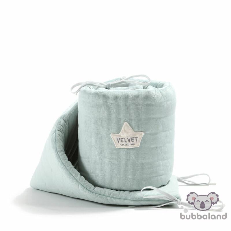 baba kiságy rácsvédő velvet steppelt anyagból hamvas menta színben 60 x 120 cm kiságy méretre