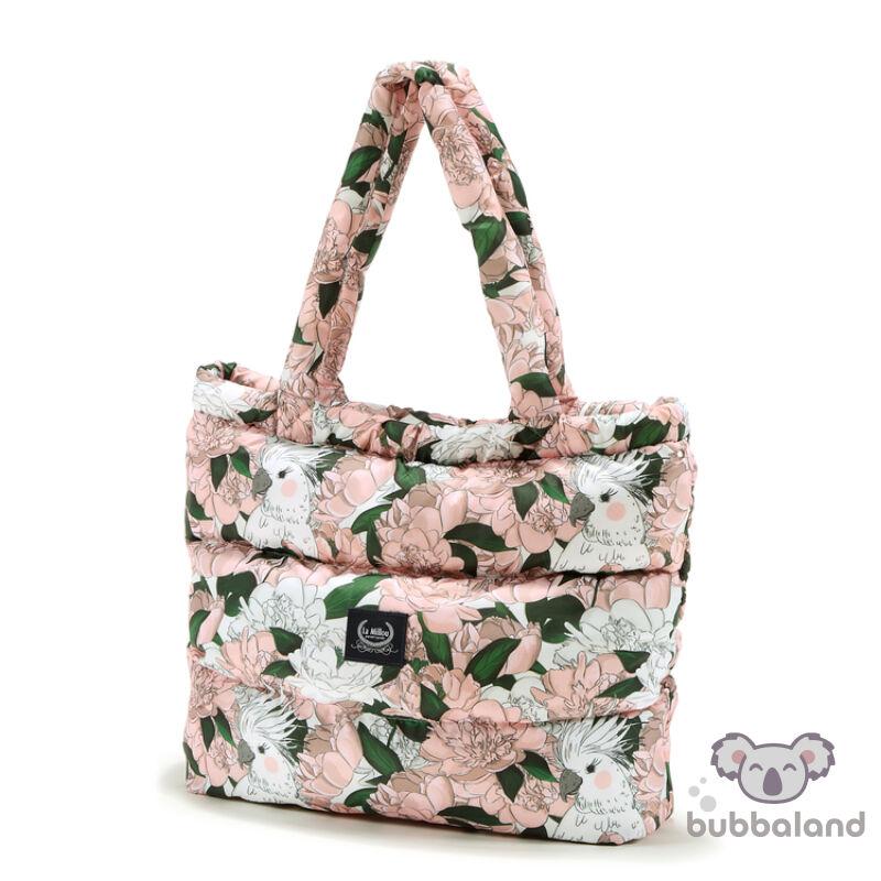 Pelenkázó táska vízhatlan anyagból fehér zöld és rózsaszín színekben bazsarózsa mintával Lady Peony