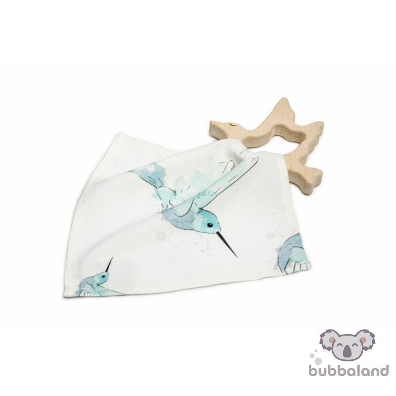 fa rágóka kolibri mintás textil nyálkendővel
